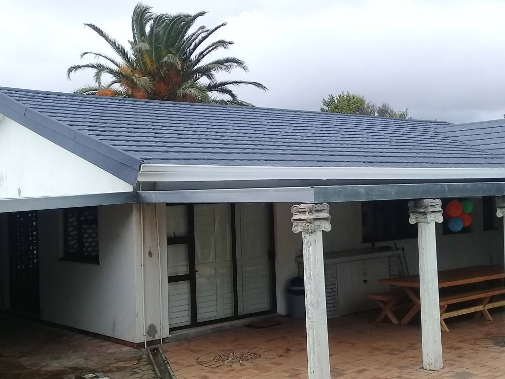Harvey Tiles_Competitor_SA's Leading Thatch Tile Solution_Fiddler Roofing Products